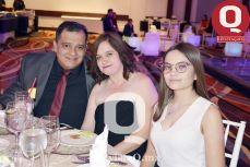 Jorge Rivera e Irma Macías con Valentina Rivera