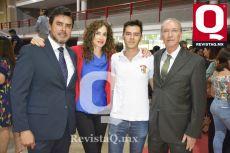 Rafael López, Rubria Morales, Rafael López y Dr. Alberto Morales