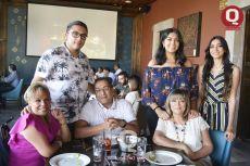 Leonardo Manrique, María Paula Rosas, Martha Rosas, Claudia Núñez, Jesús Manrique y Blanca Manrique