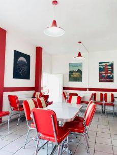 Excelentes instalaciones en  Knock-out  Burger