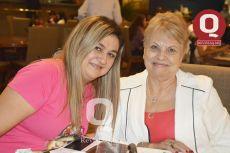 Erika Muñoz y Sra. Garnica de Muñoz