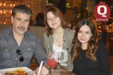 Luis Romo, Andrea Romo y Diana Romo