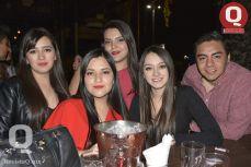 Natalie Cortés, Paulina Blareley, Dulce Agreta, Paola Carrillo y Miguel Manzano