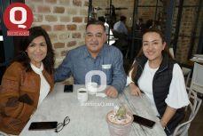Carmina Ornelas, Olegarío Cruz y Adriana Cruz.