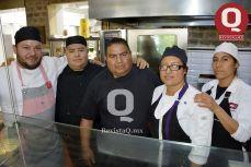 Chef Pablo León, Cesar González José Colunga, Sandra Martínez y Juana López.