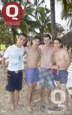 Alan Martínez, Iván Padilla, Juan Pablo Loza y Sebastián Paz