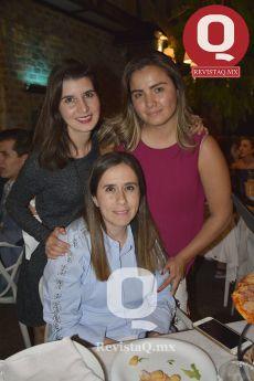 Luza Mena, Giovanna Márquez y Daniela García