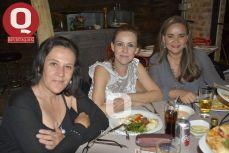 Karla Pietrasanta, Tere Bustamante y Tita Lozano