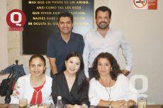 Héctor Mendes, Jorge Solalinde, Gina Núñez, Ceci López y Dora Granados