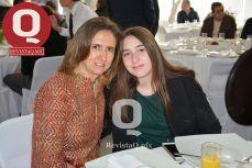 A  Cristina Lomelín y Paulina Lomelín