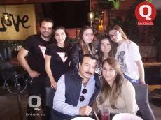 Andrés Hernández y Lolita Hernández en familia
