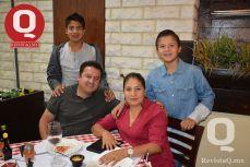 Iker Castro, Héctor Hugo Castro, Hugo Castro y María Dolores Rangel